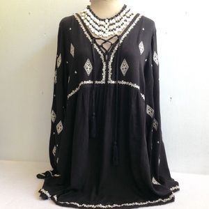 Boho Embroidered Lace Front Crinkle Tunic Top